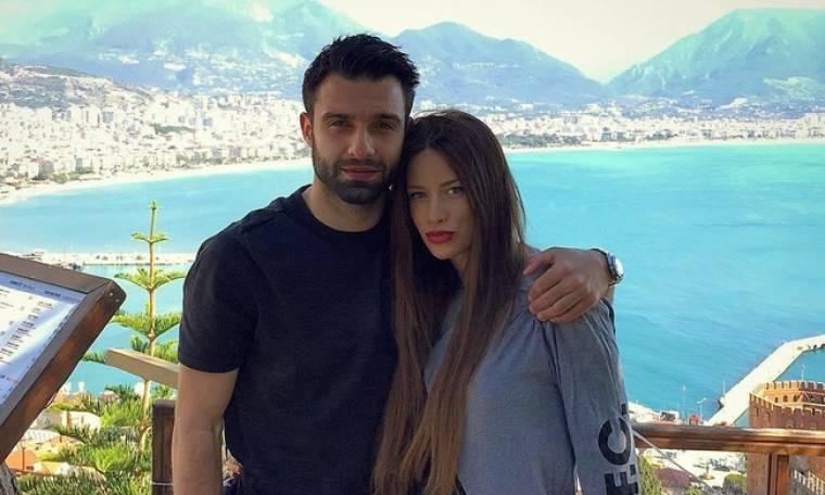 Η Αθηνά Πικράκη αποκάλυψε με μια φωτογραφία το φύλο του μωρού της