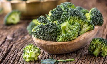 Superfood συνταγή: Γευστικότατη σαλάτα με μπρόκολο