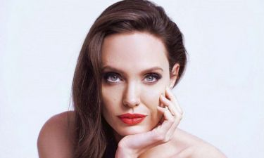 What? Η Angelina Jolie βγήκε ραντεβού στα τυφλά & την παράτησαν στη μέση της βραδιάς