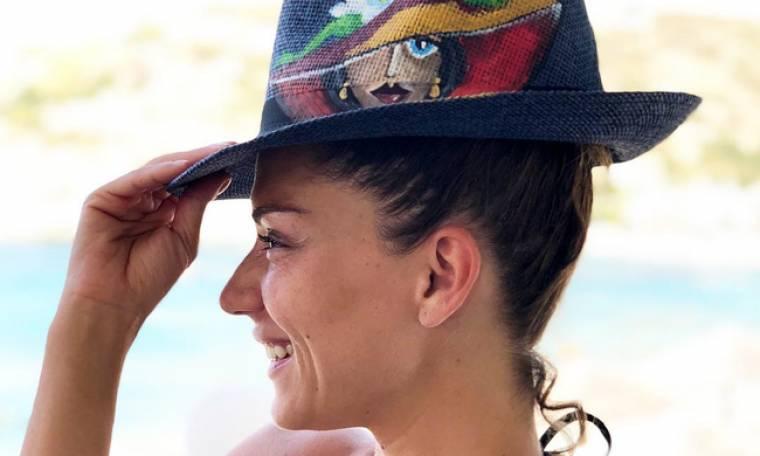 Βάσω Λασκαράκη: Στην Κρήτη με την κόρη της και τον νέο σύντροφό της