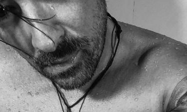 «Λιώνει» στο γυμναστήριο μέσα στο κατακαλόκαιρο