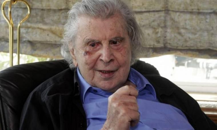 Μίκης Θεοδωράκης: Στο νοσοκομείο μετά από καρδιακό επεισόδιο