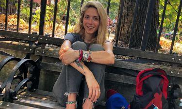 Σοφία Καρβέλα: Χαλαρή στο πάρκο με τα παιδιά της
