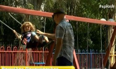 Αυτή είναι η τριών χρονών κόρη γνωστού τραγουδιστή και παίζει μαζί της στο λούνα παρκ