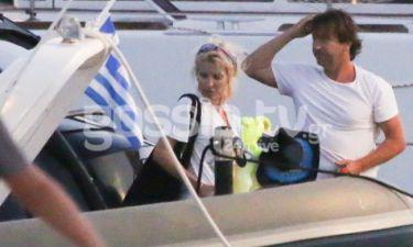 Ελένη Μενεγάκη-Μάκης Παντζόπουλος: Απόβαση στα Κουφονήσια με το σκάφος και τα παιδιά!
