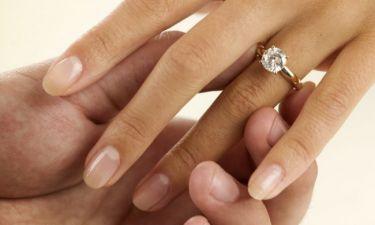 Της έκανε πρόταση γάμου στη Σαντορίνη και το αποκάλυψε με μια φωτογραφία στο Instagram