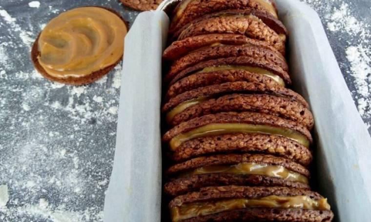 Brownie cookies γεμιστά με καραμέλα γάλακτος