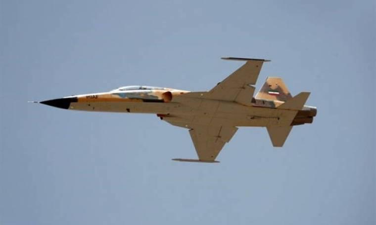 Μήνυμα πολέμου στέλνει το Ιράν: Αυτό είναι το νέο μαχητικό αεροσκάφος της Τεχεράνης (Pics+Vid)