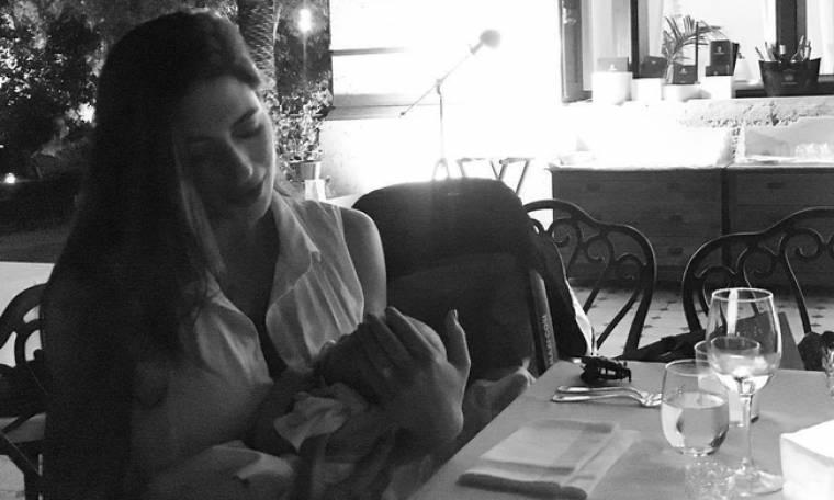 Φλορίντα Πετρουτσέλι: Η πρώτη φωτογραφία της με μαγιό, έναν μήνα μετά τη γέννα!