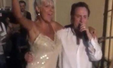 Ξεσάλωσε η Σάσα Σταμάτη με τον Χριστοδουλόπουλο! Δείτε τη να τραγουδά μαζί του και να χορεύει!