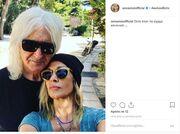 Άννα Βίσση: Η selfie αγκαλιά με τον Καρβέλα και το μήνυμά της: «Ούτε όταν τα είχαμε κανονικά»