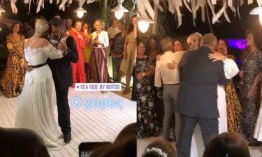 Γάμος Μουτάφη – Νιφλή: Ο ρομαντικός χορός του ζευγαριού – Η νύφη χόρεψε και με τον πατέρα της
