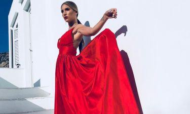 Αθηνά Οικονομάκου: Δείτε ποιες γνωστές κυρίες φόρεσαν το φόρεμα πριν την ηθοποιό