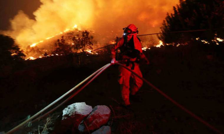 Ντελόν, Ντενέβ, Αζναβούρ: η ελίτ του θεάματος επιτίθεται στον Μακρόν για τον κατακλυσμό του πλανήτη
