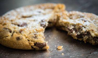 Κανείς δεν μπορεί να φάει μόνο ένα: Γιατί τα cookies με σοκολάτα είναι τόσο «εθιστικά»;