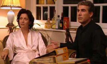 Απών: Ο Γιώργος, έξαλλος κυριολεκτικά, φτάνει στο σημείο να απειλήσει την Ελένη
