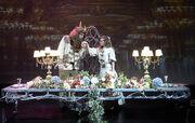 Η Μαριάννα Τόλη ανεβάζει την «Πεντάμορφη και το τέρας»