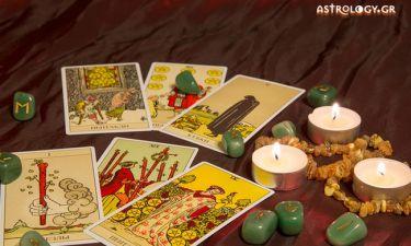 Τι συμβολίζουν οι κάρτες Ταρώ και πως ερμηνεύονται;