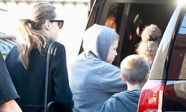 Angelina Jolie: Πήγε με τα παιδιά της σε ταινία θρίλερ
