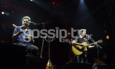 Θανάσης Παπακωνσταντίνου–Σωκράτης Μάλαμας: Αποθεώθηκαν στις συναυλίες τους