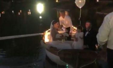 Γάμος Ρέμου – Μπόσνιακ: Μετά την τελετή επιβιβάστηκαν σε βάρκα με την κόρη τους