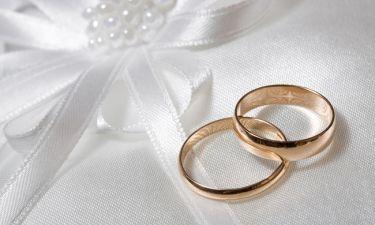 Έλληνας τραγουδιστής παντρεύτηκε μυστικά με θαυμάστριά του