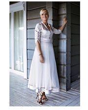 Η Μπεκατώρου αποκαλύπτει την ιστορία πίσω από το φόρεμα που έβαλε στον γάμο των Ρέμου – Μπόσνιακ