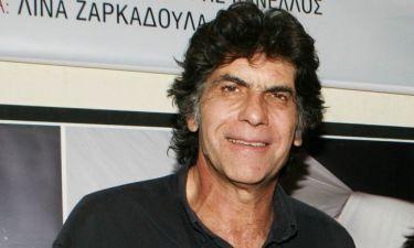 Γιάννης Μπέζος: Ετοιμάζει περιοδεία για το ερχόμενο καλοκαίρι