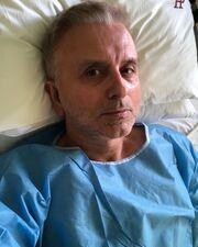Δήμος Βερύκιος: Στο νοσοκομείο μετά από περιπέτεια υγείας και η φωτογραφία μέσα από τον θάλαμο!