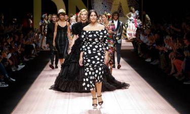 Eβδομάδα μόδας: Μόνικα Μπελούτσι & Κάρλα Μπρούνι στη βασιλική πασαρέλα των Dolce & Gabbana