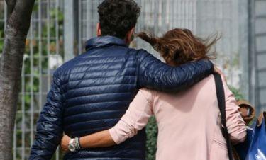 Τους «τσακώσαμε» αγκαλιασμένους σε βόλτα τους στο Μαρούσι!