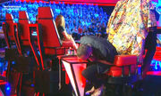 The Voice: Οι ξεκαρδιστικές ατάκες του Μουζουράκη όταν... κόλλησε η καρέκλα του και δεν γύρισε!