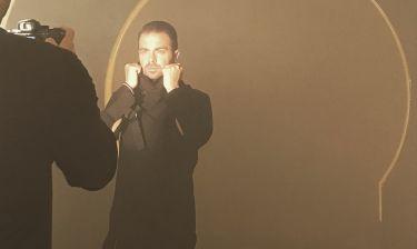 Ηλίας Βρεττός: Δείτε backstage από την φωτογράφηση της αφίσας του