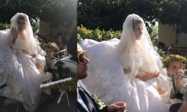 Γάμος Menounos: Απίστευτο! Η νύφη έφτασε στην εκκλησία με μία ώρα καθυστέρηση! Αλλά ήταν κούκλα!
