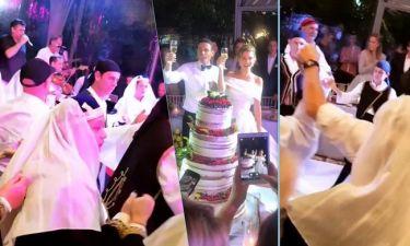 Γάμος Menounos: Παραδοσιακό γλέντι με κλαρίνα και τσολιάδες στη δεξίωση