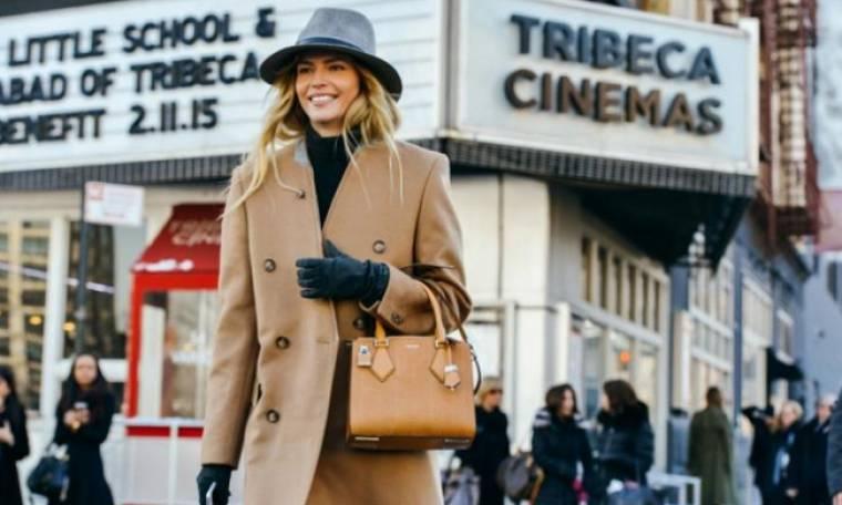 Camel coat: Το παλτό που θα φορέσεις άνετα όλο το χειμώνα