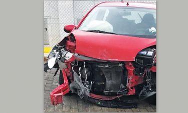 Εφιάλτης στην άσφαλτο για γνωστό μοντέλο - Τράκαρε σε τούνελ και εκσφενδονίστηκε το αυτοκίνητό της