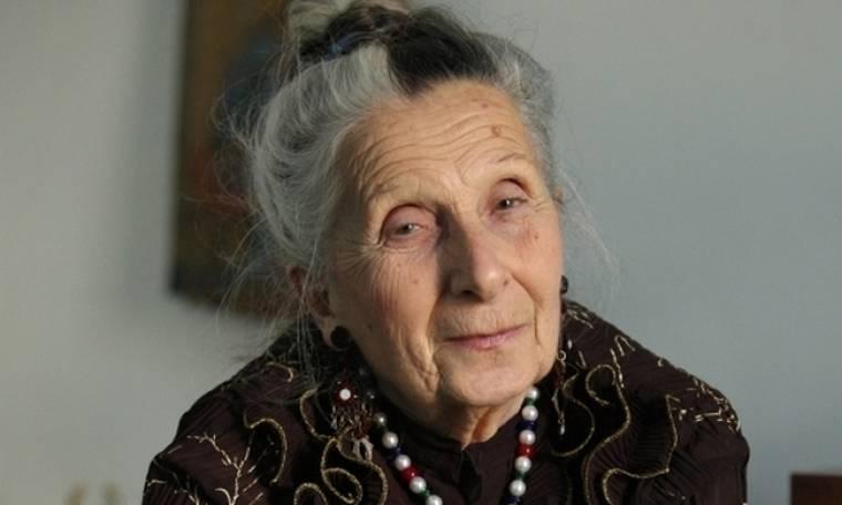 Τιτίκα Σαριγκούλη: «Πήγαινα να σπουδάσω αρχαιολόγος, αλλά η Δεξιά με έκανε να γίνω θεατρίνα»
