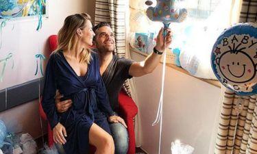 Μαρία Λουίζα Βούρου: Θηλάζει τον νεογέννητο γιο της και ανεβάζει την πρώτη κοινή τους φωτογραφία!