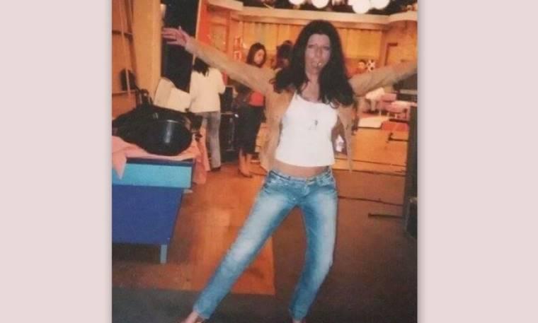 Την αναγνωρίζετε; Κι όμως είναι πασίγνωστη Ελληνίδα παρουσιάστρια!