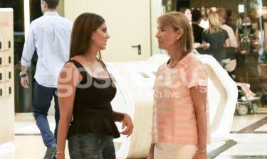 Τσιμτσιλή – Ζαχαρέα: Βόλτα και ψώνια για τις δυο φίλες!