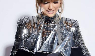 American Music Awards 2018: ιστορικός θρίαμβος της πολιτικοποιημένης Τέιλορ Σουίφτ