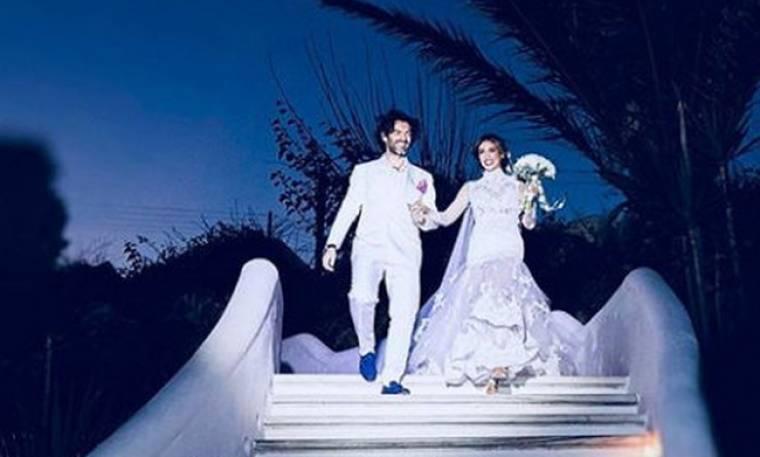 Η Αθηνά Οικονομάκου μοιράζεται δέκα αδημοσίευτες φωτογραφίες από τον λαμπερό της γάμο!