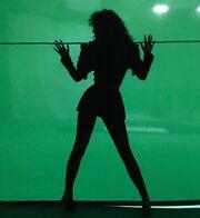 Ελένη Φουρέιρα: Οι πρώτες εικόνες από τα γυρίσματα για το νέο της video clip