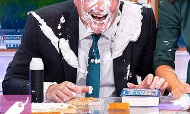 «Έφαγε» αυτοσχέδια τούρτα στο πρόσωπο on air  – Τι συνέβη;