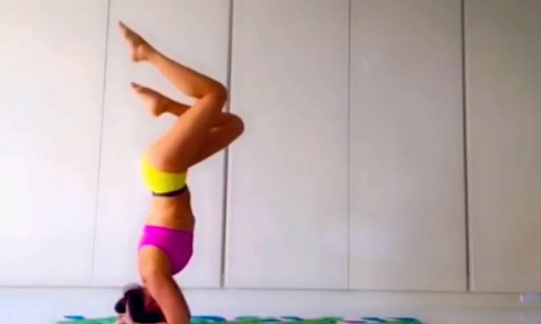 Η 47χρονη που δεν κολλάει στην ηλικία και έχει κάνει τη yoga… παιχνιδάκι!