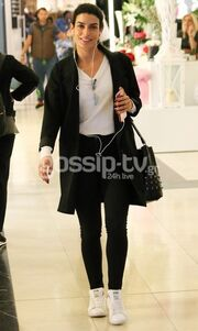 Βόλτα και ψώνια για την Τόνια Σωτηροπούλου