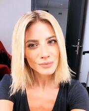 Ευαγγελία Αραβανή: Η νέα αρχή στο Open Tv και το νέο look