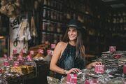 Χριστίνα Μπόμπα: Οι βόλτες της στο κέντρο της Αθήνας