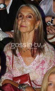 Κατερίνα Τερζοπούλου: «¨Όταν με ρωτούν πόσες φορές έχω παντρευτεί, απαντώ δυόμισι»